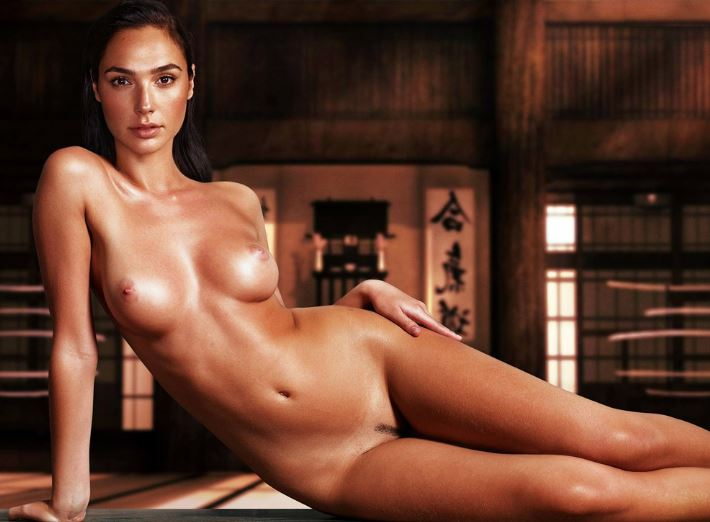 Wonder Woman Gal Gadot posing fully nude